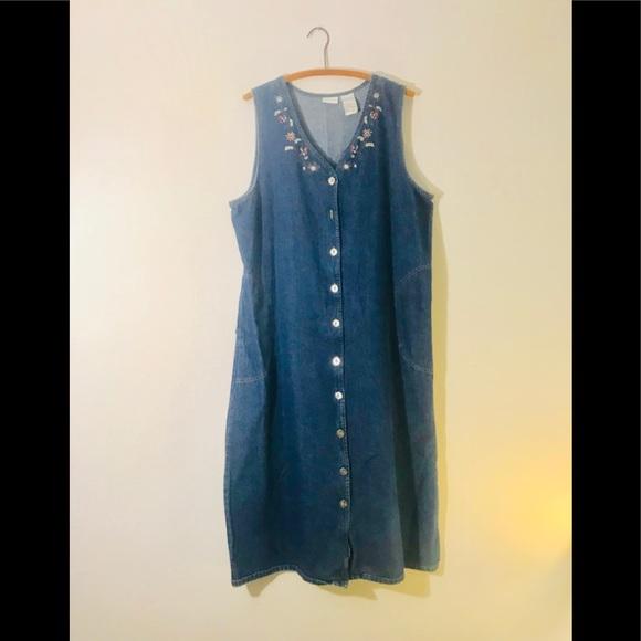 9b9676ae635cb Vintage Retro 90 s Embroidered Overall Dress. M 5ad222131dffda5801cd42f2